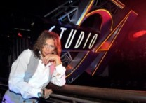 Steven-Tyler-lounges-at-Studio-54